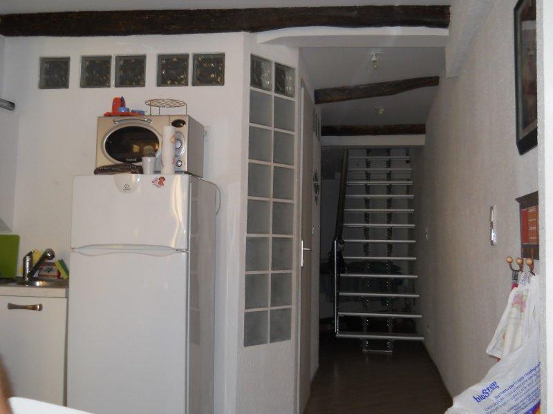 location location etudiant menton vieille ville studio meuble 27 m ab immobilier. Black Bedroom Furniture Sets. Home Design Ideas